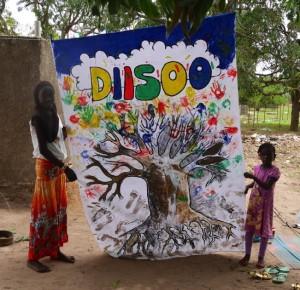 Unsere, mit den Kindern gestaltete, DIISOO-Fahne